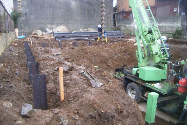 建駐車による掘削